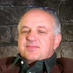 Luca Damiano (Franco Lo Cascio)
